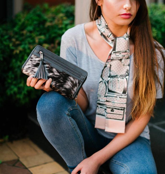 Front Zipper Wallet – Austin (L70082)