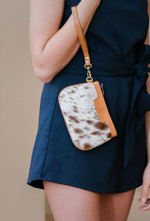 Small Cowhide Clutch- Ontario (L70081)